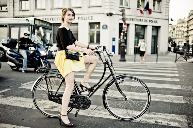 tour%20de%20france%20girl%20bicycle%20paris%20HR