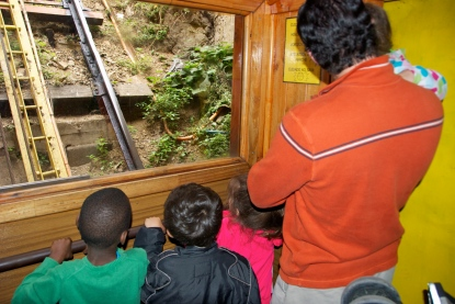 family going up on the Ascensor Concepcion