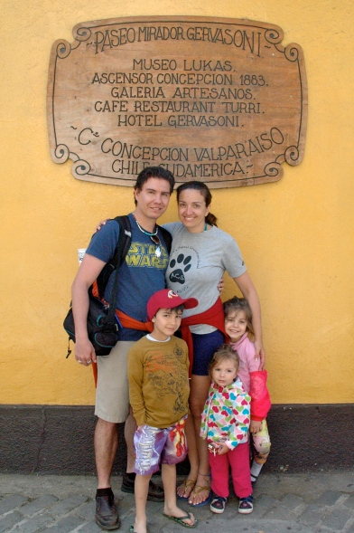 Classic Travel Family Photo: everyone exhausted, but happy! :o