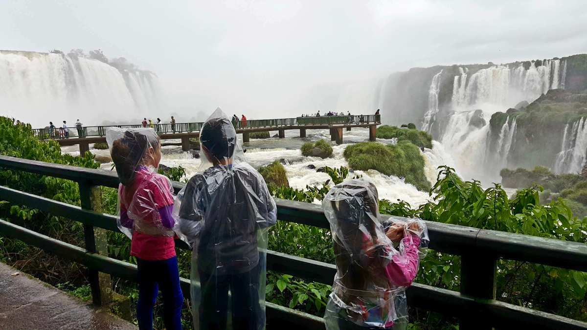 The Lima Miranda Clan visits the Majestic Iguazu Waterfalls!